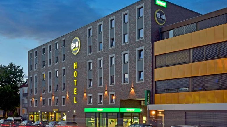 """B-B Hotel Hamburg-Wandsbek Exterior. Images powered by <a href=""""http://web.iceportal.com"""" target=""""_blank"""" rel=""""noopener"""">Ice Portal</a>."""