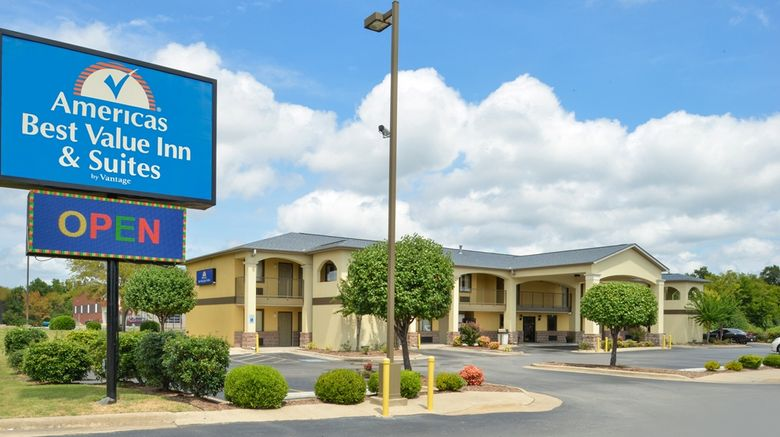 """Americas Best Value Inn and Suites Exterior. Images powered by <a href=""""http://web.iceportal.com"""" target=""""_blank"""" rel=""""noopener"""">Ice Portal</a>."""
