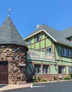 Svendsgaard's Danish Lodge-Americas Best