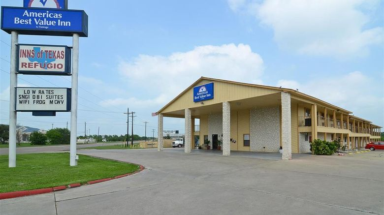 """Americas Best Value Inn Refugio Exterior. Images powered by <a href=""""http://web.iceportal.com"""" target=""""_blank"""" rel=""""noopener"""">Ice Portal</a>."""