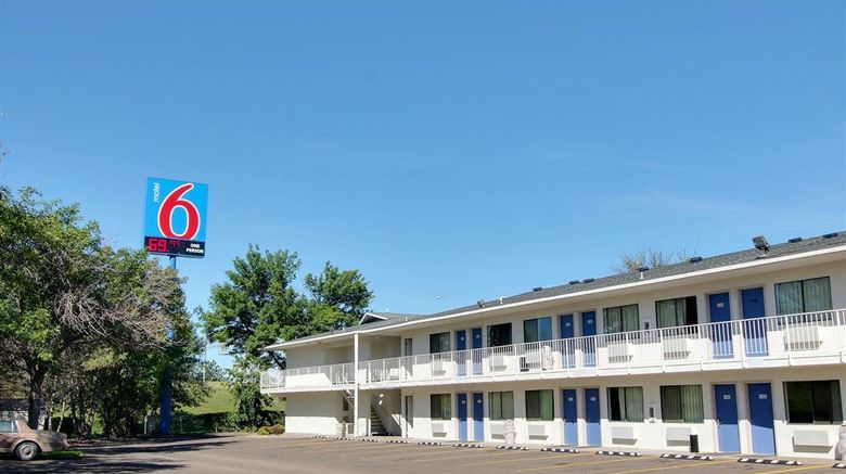 """Motel 6 Bismarck Exterior. Images powered by <a href=""""http://web.iceportal.com"""" target=""""_blank"""" rel=""""noopener"""">Ice Portal</a>."""