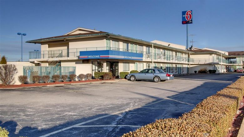 """Motel 6 Owensboro Exterior. Images powered by <a href=""""http://web.iceportal.com"""" target=""""_blank"""" rel=""""noopener"""">Ice Portal</a>."""