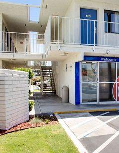 Motel 6 Bakersfield South