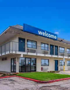 Motel 6 College Station