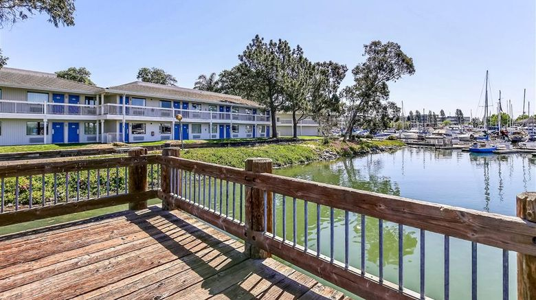 """Motel 6 Oakland Embarcadero Exterior. Images powered by <a href=""""http://web.iceportal.com"""" target=""""_blank"""" rel=""""noopener"""">Ice Portal</a>."""
