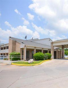 Motel 6 Houston Baytown East
