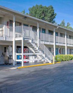 Motel 6 Bishop