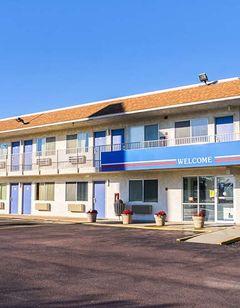 Motel 6 Mitchell