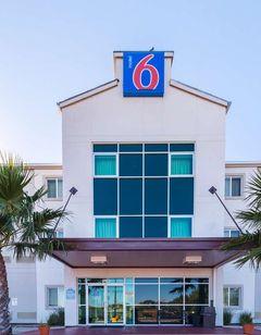 Motel 6 Eagle Pass