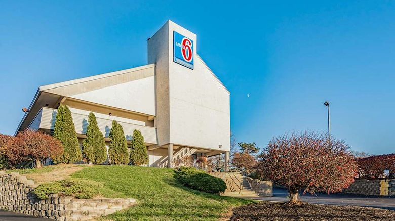 """Motel 6 Cincinnati Central Exterior. Images powered by <a href=""""http://web.iceportal.com"""" target=""""_blank"""" rel=""""noopener"""">Ice Portal</a>."""