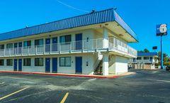 Motel 6 Russellville