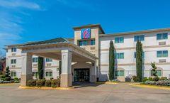 Motel 6 Richardson