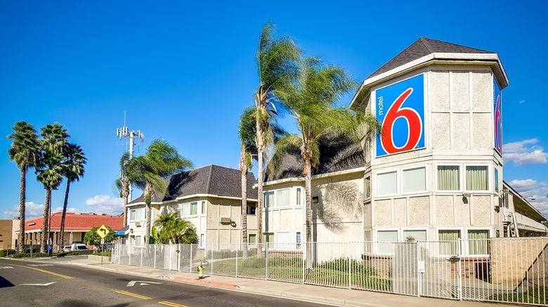 """Motel 6 Riverside South Exterior. Images powered by <a href=""""http://web.iceportal.com"""" target=""""_blank"""" rel=""""noopener"""">Ice Portal</a>."""