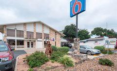 Motel 6 - Boerne