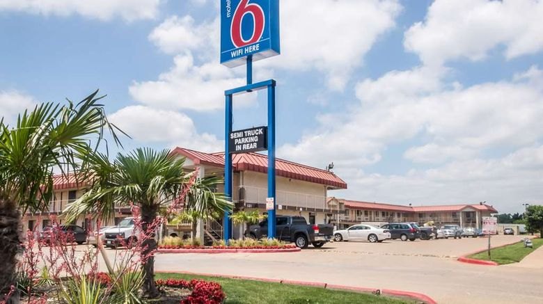 """Motel 6 Mesquite Exterior. Images powered by <a href=""""http://web.iceportal.com"""" target=""""_blank"""" rel=""""noopener"""">Ice Portal</a>."""