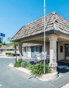 Motel 6 Kingsburg