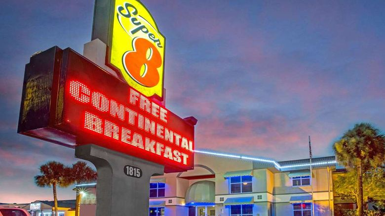 """Super 8 Kissimmee Exterior. Images powered by <a href=""""http://web.iceportal.com"""" target=""""_blank"""" rel=""""noopener"""">Ice Portal</a>."""