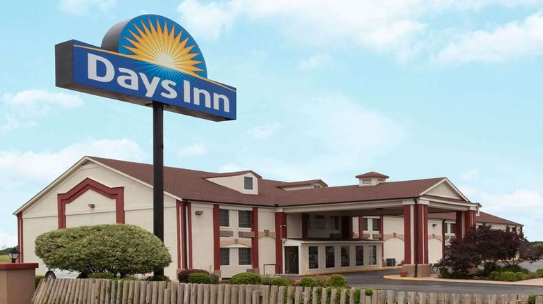 """Days Inn Shawnee Exterior. Images powered by <a href=""""http://web.iceportal.com"""" target=""""_blank"""" rel=""""noopener"""">Ice Portal</a>."""
