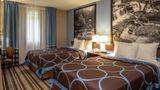Super 8 Steubenville Room