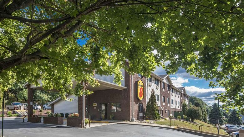 """Super 8 Steubenville Exterior. Images powered by <a href=""""http://web.iceportal.com"""" target=""""_blank"""" rel=""""noopener"""">Ice Portal</a>."""
