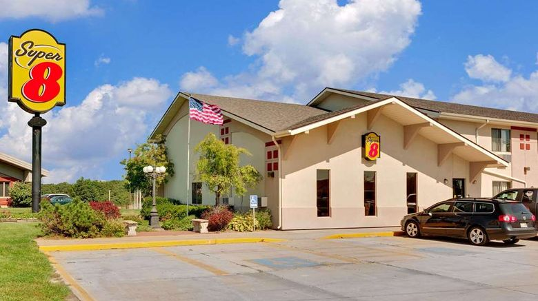 """<b>Super 8 Keokuk Exterior</b>. Images powered by <a href=""""https://iceportal.shijigroup.com/"""" title=""""IcePortal"""" target=""""_blank"""">IcePortal</a>."""