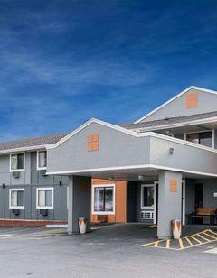 Super 8 Rochester Mayo Clinic Area