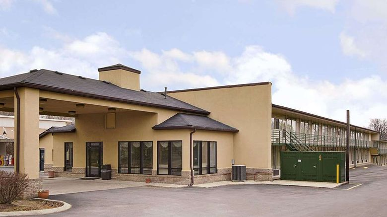"""Days Inn White House Exterior. Images powered by <a href=""""http://web.iceportal.com"""" target=""""_blank"""" rel=""""noopener"""">Ice Portal</a>."""