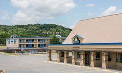 Days Inn Staunton/ Mint Springs
