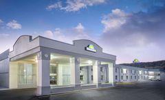 Days Inn Roanoke Airport  I-81