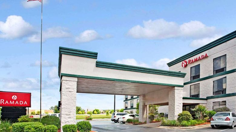 """Ramada Pearl/Jackson Airport Exterior. Images powered by <a href=""""http://web.iceportal.com"""" target=""""_blank"""" rel=""""noopener"""">Ice Portal</a>."""