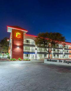 Super 8 Austin University/Downtown Area