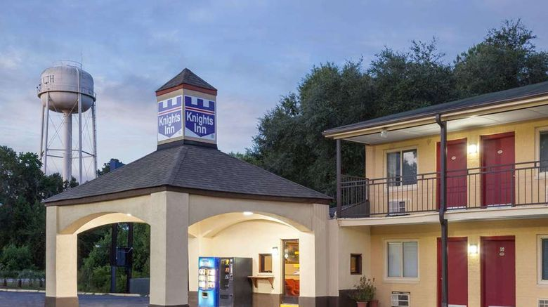 """Knights Inn Point South Yemassee Exterior. Images powered by <a href=""""http://web.iceportal.com"""" target=""""_blank"""" rel=""""noopener"""">Ice Portal</a>."""