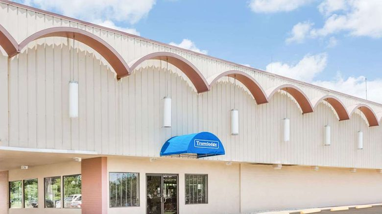 """Travelodge Shreveport Exterior. Images powered by <a href=""""http://web.iceportal.com"""" target=""""_blank"""" rel=""""noopener"""">Ice Portal</a>."""