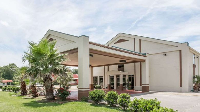 """Days Inn Rayne Exterior. Images powered by <a href=""""http://web.iceportal.com"""" target=""""_blank"""" rel=""""noopener"""">Ice Portal</a>."""