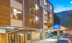 Baymont Inn & Suites on the River