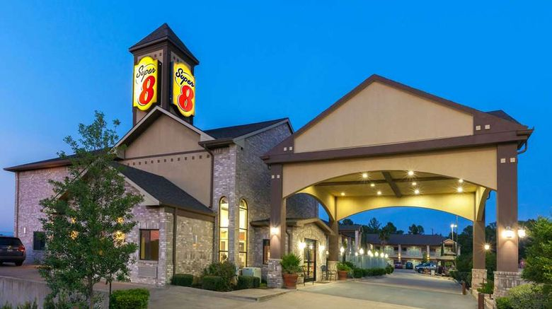 """Super 8 Fairfield Exterior. Images powered by <a href=""""http://web.iceportal.com"""" target=""""_blank"""" rel=""""noopener"""">Ice Portal</a>."""