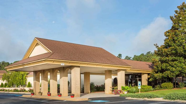 """Days Inn Conf Ctr Southern Pines Exterior. Images powered by <a href=""""http://web.iceportal.com"""" target=""""_blank"""" rel=""""noopener"""">Ice Portal</a>."""