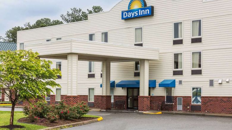 """Days Inn Doswell At the Park Exterior. Images powered by <a href=""""http://web.iceportal.com"""" target=""""_blank"""" rel=""""noopener"""">Ice Portal</a>."""