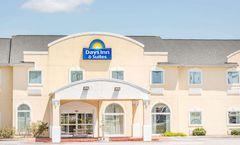 Days Inn & Suites Swainsboro