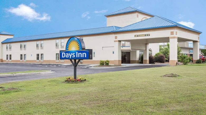 """Days Inn Selma Exterior. Images powered by <a href=""""http://web.iceportal.com"""" target=""""_blank"""" rel=""""noopener"""">Ice Portal</a>."""