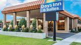 Days Inn & Suites Logan Exterior