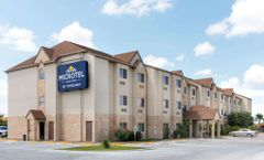 Microtel Inn & Suites Eagle Pass