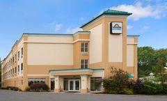 Days Inn & Suites Albany