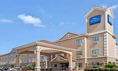 Baymont Inn & Suites Baytown