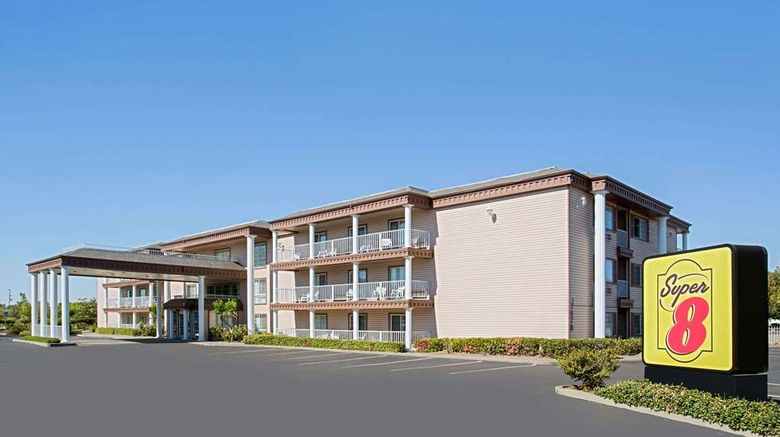 """Super 8 Oroville Exterior. Images powered by <a href=""""http://web.iceportal.com"""" target=""""_blank"""" rel=""""noopener"""">Ice Portal</a>."""