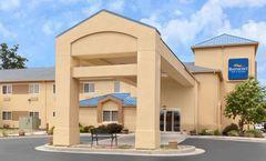 Baymont Inn & Suites Fort Wayne