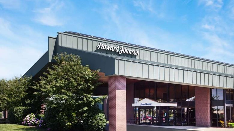 """Howard Johnson Evansville East Exterior. Images powered by <a href=""""http://web.iceportal.com"""" target=""""_blank"""" rel=""""noopener"""">Ice Portal</a>."""