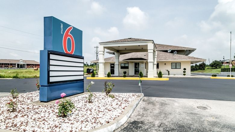 """Motel 6 Berea Exterior. Images powered by <a href=""""http://web.iceportal.com"""" target=""""_blank"""" rel=""""noopener"""">Ice Portal</a>."""