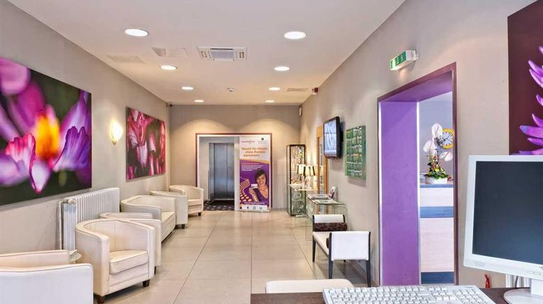 """Mark Apart Hotel Lobby. Images powered by <a href=""""http://web.iceportal.com"""" target=""""_blank"""" rel=""""noopener"""">Ice Portal</a>."""