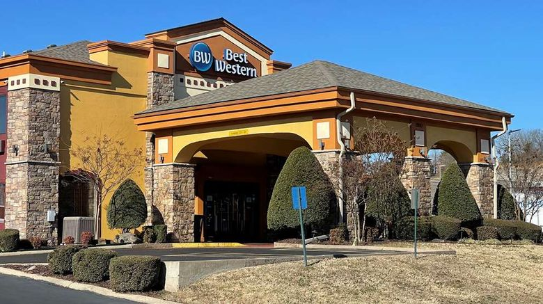 """Best Western Aspen Hotel Exterior. Images powered by <a href=""""http://web.iceportal.com"""" target=""""_blank"""" rel=""""noopener"""">Ice Portal</a>."""
